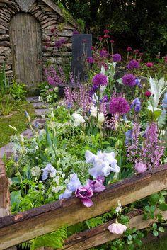Lovely garden~Image © Judy White/Plant & Flower Stock Photography