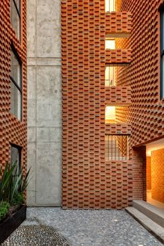 Expressive brick facade for Social Housing by MAP/MX. Brick In The Wall, Brick And Stone, Brick Design, Facade Design, Brick Architecture, Architecture Details, Social Housing Architecture, Garden Architecture, Brick Works