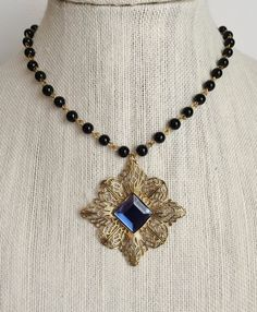 Catherine Parr Montana Black Necklace cathpneck577 par tudorshoppe