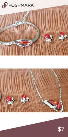 Beautiful Crystal Butterfly Jewelry Set The set includes a necklace,  earrings,  and bracelet. The set is silver plated. Jewelry Necklaces