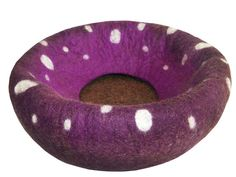 Cat Bed / Cave / Cocon / House / Vessel  Hand by YukiFeltCatCaves, €41.00
