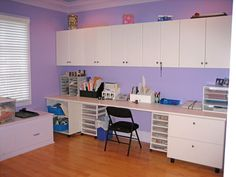 Loving the long work table and use of wall space for upper cupboards. Picture from militarysos.xom