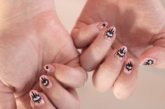 How-to: Evil Eyes nail art – Joliette