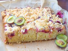 Chef in her kitchen.-): Butter cake with plums and crumble - without a mixer, in 20 minutes! Kefir, Krispie Treats, Rice Krispies, Hot Dog, Mozzarella, Vanilla Cake, Feta, Banana Bread, Plum