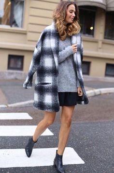 Llega el otoño y es época elegir el abrigo de la temporada. Este abrigo TIARA de mbyM es todo un 'must have'