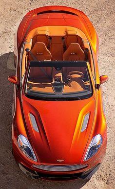 Aston Martin V12 Vanquish Volante