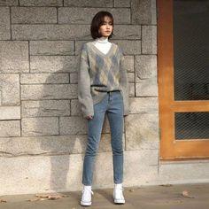 Korean Girl Fashion, Korean Fashion Trends, Ulzzang Fashion, Korean Street Fashion, Korea Fashion, Asian Fashion, Korean Fashion Winter, Korean Outfits, Mode Outfits