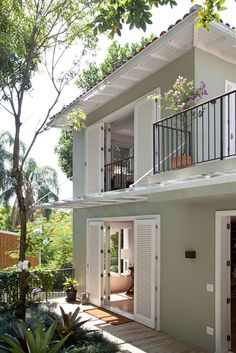 New Exterior Design Color House Plans Ideas Minimalist House Design, Small House Design, Modern House Design, Future House, Design Exterior, Facade Design, Dream House Exterior, Facade House, Tropical Houses