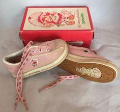 Vintage Toys Vintage 1982 Stride Rite Pink Strawberry Shortcake Toddler Shoes Size *USED* 90s Childhood, My Childhood Memories, Vintage Fur, Vintage Toys, Vintage Stuff, Vintage Strawberry Shortcake, 80s Kids, Toddler Shoes, Old Toys