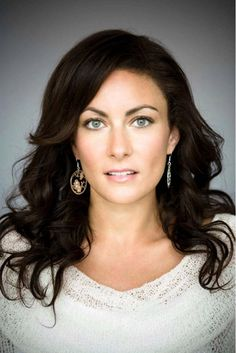 Laura Benanti as Astra aka Supergirls aunt and she plots to rule the Earth and make Kara pay for her mother's sins.