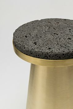 Basalt and brass make a great duo - Material Container stool by Jeonghwa Seo. Image via Mocovote. Nachhaltiges Design, Beton Design, Design Table, Interior Design, Design Trends, Table Furniture, Modern Furniture, Furniture Design, Modern Materials