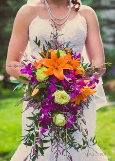 Wow! these are great tips for choosing the perfect florist. .. now I have a clear idea of what I want for my wedding.