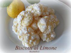 Biscotti al limone - yummy! Italian Cookies, Italian Desserts, Mini Desserts, French Apple Tart, Cookie Recipes, Snack Recipes, Biscotti Cookies, Torte Cake, Home Food