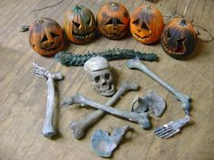 HALLOWEEN PROP HAUNTED HOUSE JACK O LANTERN PUMPKIN & SKELETON BONES  SET