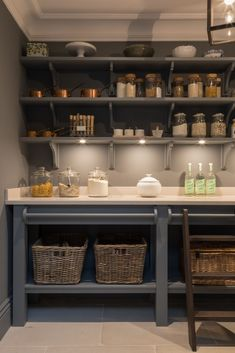Modern walk-in pantry design – Humphrey Munson – open plan kitchen project Contemporary Walk-in Pantry Design – Humphrey Munson – Open Plan Kitchen Project - Own Kitchen Pantry Kitchen And Bath, New Kitchen, Kitchen Dining, Kitchen Decor, Kitchen Modern, Pantry Room, Pantry Storage, Pantry Closet, Food Storage