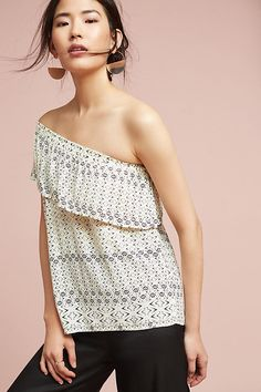 Slide View: 2: Florine One-Shoulder Top