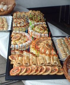 Wedding Buffet Food Party Buffet Food Set Up Food Platters Christmas Brunch Brunch Party Food Presentation Appetizers For Party Party Snacks Mini sandwiches prawn louis brioche rolls curried chicken salad on rye fingers turkey arugula and cranberry cream Finger Food Appetizers, Appetizers For Party, Appetizer Recipes, Appetizer Buffet, Picnic Recipes, Aperitivos Finger Food, Fingerfood Party, Party Buffet, Party Trays