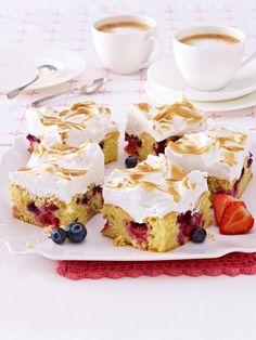 Unterschätzte KöstlichkeitBlechkuchen macht alle glücklich. Ganz klassisch als Butterkuchen oder raffiniert als Kaffee-Karamell-Kuchen -