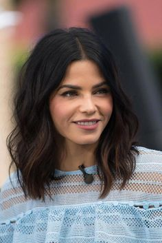 The soft waves of Jenna Dewan Tatum - short hair - .- Die weichen Wellen von Jenna Dewan Tatum – short hair – The soft waves of Jenna Dewan Tatum – short hair – - Medium Hair Styles, Curly Hair Styles, Easy Formal Hairstyles, Lob Hairstyle, Lob Haircut Thick Hair, Waves Haircut, Haircut Medium, Hairstyle Ideas, Lob Haircut 2018