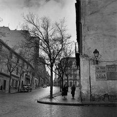 fotograficas oleograficas: Clásicos #14: Fransesc Catalá Roca (España)  calle emabajadores 1953