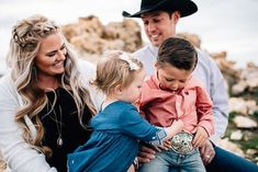 I LOVE when I get to take pictures of this cute family! Rodeo family pictures were a must for this family! Horses are a big part of their family! Western Family Photos, Western Baby Pictures, Country Family Photos, Country Couple Pictures, Cute Country Couples, Cute Country Girl, Cute Family Photos, Family Pictures, Country Life