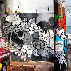 Miami Art District | Photo Credit @mauricio8255 | #miamiinstaart #miamistreetart #streetart #urbanart #urban #graffiti #miami #wynwood #2esae #ski #urnewyork - @miamiinstaart- #webstagram Miami Street Art, 3d Street Art, Graffiti Art, Urban Graffiti, Wonder Art, Public Art, Urban Art, Art Tutorials, Insta Art