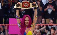 Sasha Banks Wins The WWE Women's Championship On Raw
