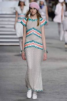 Resort 2019 Fashion Show Chanel Resort 2019 Paris Collection - VogueChanel Resort 2019 Paris Collection - Vogue Chanel Resort, Chanel Cruise, Fashion Week, Runway Fashion, Fashion Trends, Cruise Fashion, Fashion Tips, Pretty Outfits, Beautiful Outfits