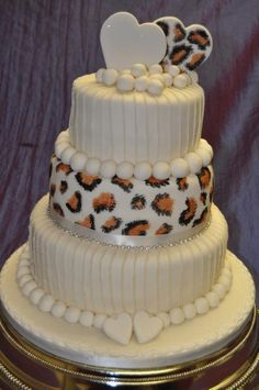 leopard print wedding cake 1000 images about animal print cakes on zebra 16826