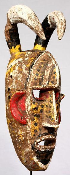 Máscara Bozo de de 45 cm de altura. Originaria de