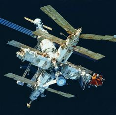 http://pics-about-space.com/shuttle-mir-space-station?p=1