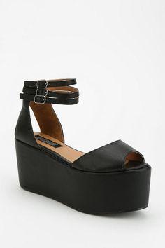 I love this so cute ! Deena & Ozzy Triple-Buckle Flatform Sandal