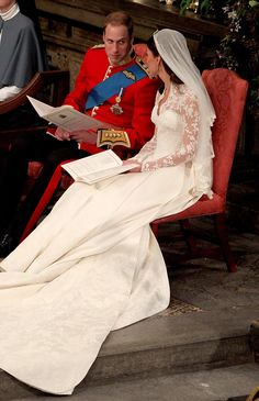Royal Weddings in History and Photos of Prince William and Kate Middleton Wedding Looks Kate Middleton, Kate Middleton Wedding, Kate Middleton Photos, Princesse Kate Middleton, Kate Middleton Prince William, Prince William And Catherine, Lady Diana, Principe William Y Kate, William Kate Wedding