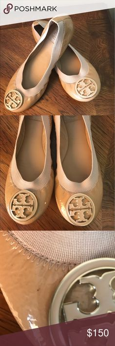 Tory Burch flats Caroline Tory Burch flats used but like new with out box no tag no trade Authentic little mark see pic 3&4 Guaranteed Authentic! Tory Burch Tan patent leather Tory Burch Caroline round-toe flats with logo emblem at tops, tonal stitching and stacked heels. Tory Burch Shoes Flats & Loafers