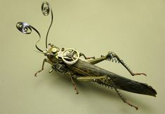 Steampunk grasshopper. I love how they used recycled metal gears and wire to create this piece. Very cool sculpture and an excellent sculpture idea.