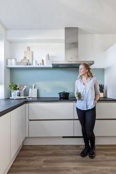 Custom Kitchen Cabinets, Kitchen Cabinet Colors, Painting Kitchen Cabinets, Kitchen Pantry, Kitchen Layout, Home Decor Kitchen, Home Kitchens, Kirkland House, White Gloss Kitchen