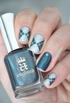 A England Prosperine // Argyle nail art in green and silver holo - Green Nail Art, Green Nails, Colorful Nail Designs, Toe Nail Designs, Nails Design, Super Cute Nails, Pretty Nails, Nail Art Vert, Galeries D'art D'ongles