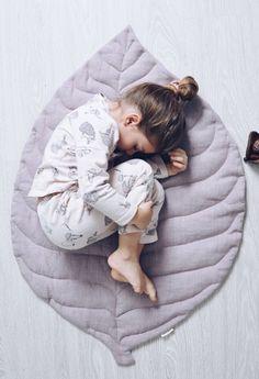 Handmade Linen Leaf Playmat | LaPetitePersonneShop on Etsy #nurserydecor