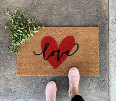 Valentine Day Kiss, Valentine Theme, Valentines Diy, Funny Valentine, Heart Decorations, Valentines Day Decorations, Holiday Decorations, Seasonal Decor, Front Door Mats