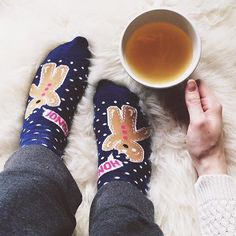 Time to cuddle up  it's #internationalteaday!  #HMOOTD #regram @dinixt by hm