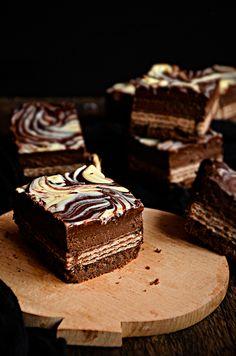 Poke Cakes, Cupcake Cakes, Cupcakes, Blondie Brownies, Chocolate Cheesecake, Granola Bars, Dessert Bars, Cheesecakes, Sweet Tooth