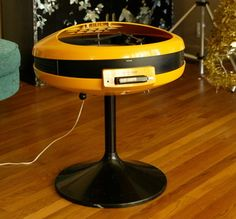 Vintage Geek: Yellow Record Player and 8-Track Combo | POPSUGAR Tech