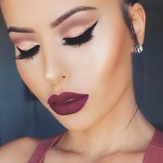 """STUNNING @amrezy Rocking Motives Pressed Eyeshadows in """"Sweet Plum"""", """"Vino"""" and """"Red Earth"""" on outer crease, """"Pink Diamond"""" on the lid, Mac """"Nylon"""" on the tear duct!  Lippie is @liplandcosmetics in """"Montenegro"""" #amrezycollection"""
