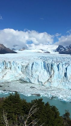 Tips for visiting the Perito Moreno Glacier In El Calafate Argentina Amazing Destinations, Travel Destinations, Holiday Destinations, Nature Gif, Nature Videos, South America Map, Beautiful Places To Travel, Beautiful Landscapes, Thailand Travel