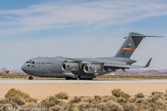 Military Jets, Military Aircraft, C 17 Globemaster Iii, Air Force Bomber, Cargo Transport, Airplane Photography, Cargo Aircraft, Ca Usa, Us Air Force