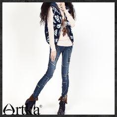 Artka женщин осень зима ретро винтаж галстук окрашенные цвет столкновения с капюшоном без рукавов молния жилет короткая куртка MA10025Dкупить в магазине ArtkaнаAliExpress