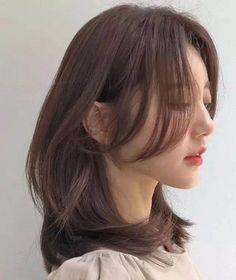 Haircuts Straight Hair, Haircuts For Medium Hair, Medium Hair Cuts, Hairstyles Haircuts, Medium Hair Styles, Curly Hair Styles, Long Asian Hairstyles, Haircuts For Girls, Korean Hairstyles Women
