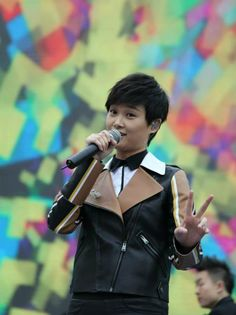 Li Yuchun Chris Lee in Fendi - In Concert 6