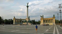 The Heroes Square in Budapest is one of the most famous of the city's landmarks. Located at the end of a wide boulevard, Heroes Square is classified as a world heritage site since 1987. Most
