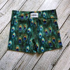 6ae1be87bf3 Adorable monstera bathing suit by stitchesinsteel #swimsuit #handmade  #handmadewardrobe #makeyourclothes | Spoon flower, ways to make money |  Custom ...